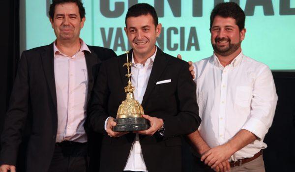 Ricard Camarena recibe el Premio Cotorra 2016 de Gastronomía que otorga el Mercado Central de Valencia